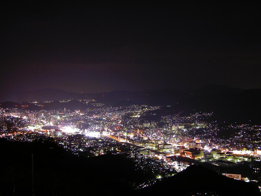 長崎稲佐山1000万ドルの夜景 左クリックで長崎夜景へ右クリック背景に設...  壁紙サイズ T