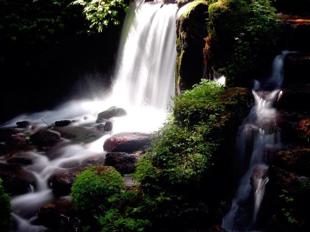 瓜割の滝 左クリックで瓜割の滝へ右クリック背景に設定で壁紙へ  壁紙サイズ Tweet  瓜割の